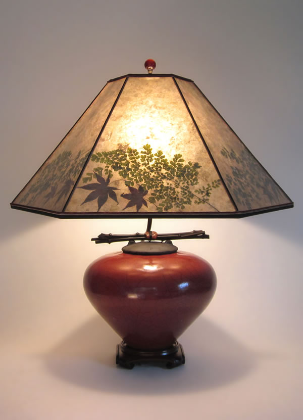 T153c Asian Red Raku Fetish Pot Table Lamp Mica Shade With Natural Foliage
