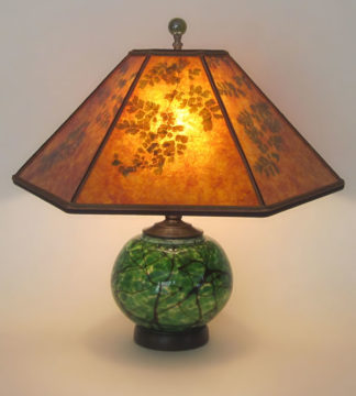 T284 Hand-blown Green Glass Lamp with Lighted Base, Mica lamp shade with Green Maidenhair Fern