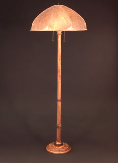 f114 Turned Wood Floor Lamp with Unique Curved Mica Lamp Shade
