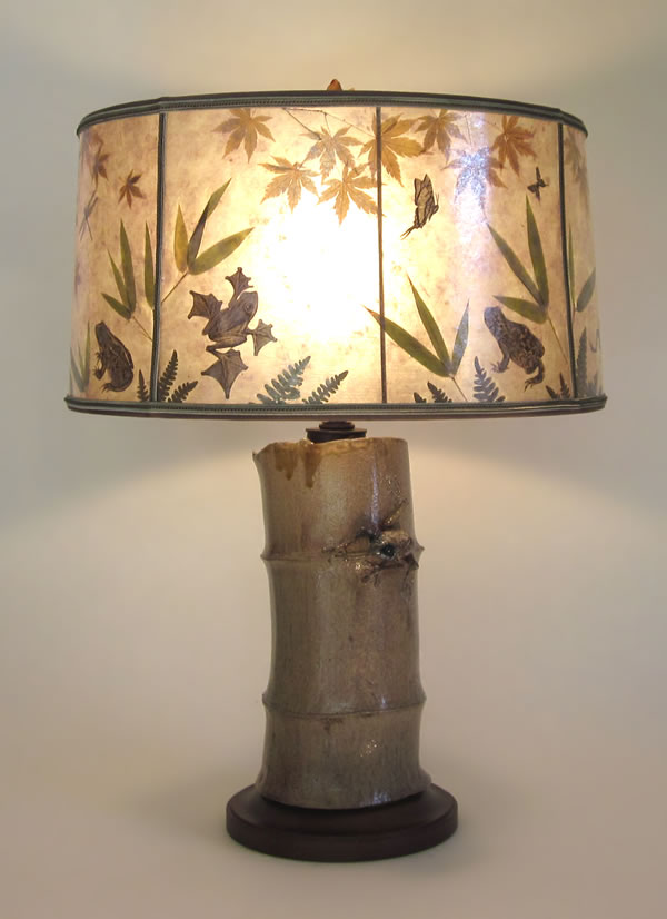 Antique Ceramic Lamp Frog On Bamboo Mica Lamp Shade With