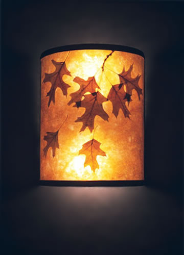 s85 Natural amber mica wall sconce with oak leaves