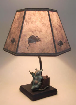 T293 Reading Rat on Cheese Lamp with Mica Mouse Lamp Shade