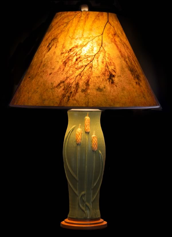 T351 Door Pottery Green Glaze Table Lamp With Cattails, Round Amber Mica  Lamp Shade With