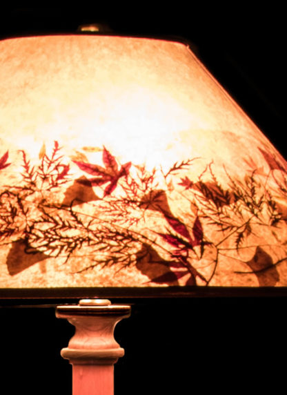 F355 Bubinga Pole Lamp, Round Mica Lamp Shade with Natural Leaves - detail-close