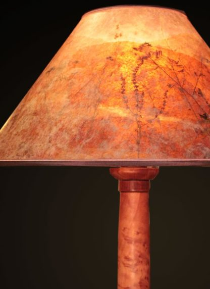 T363 Hand-turned Redwood Burl Lamp by Bill Jabas, Round Mica Lampshade with Red Grass and Anise - shade and base detail