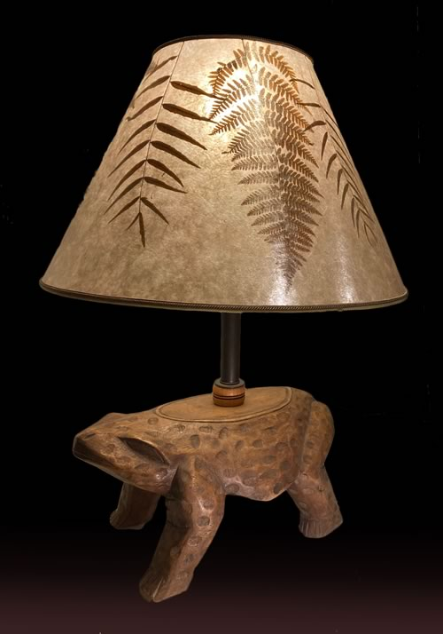 West African Totem Frog lamp, 4B